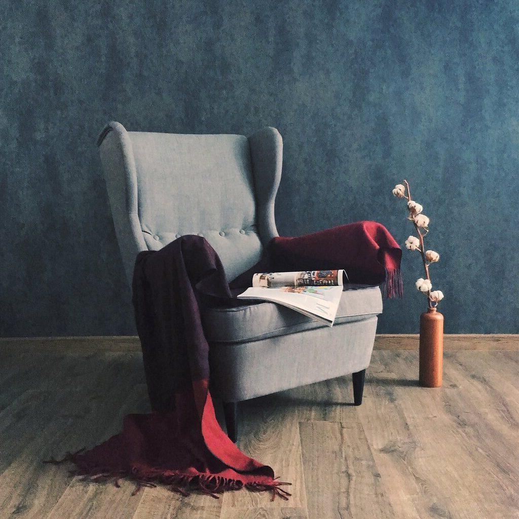 wyprany fotel tapicerowany